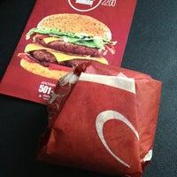Снимок сделан в The Burger пользователем Artem T. 3/2/2013