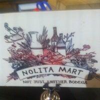 11/12/2013 tarihinde Igor K.ziyaretçi tarafından Nolita Mart & Espresso Bar'de çekilen fotoğraf