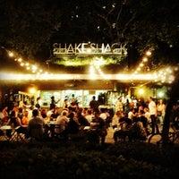 Foto tomada en Shake Shack por George R. el 8/21/2013