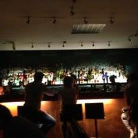 Das Foto wurde bei CINCO Lounge von Francisco M. am 7/14/2013 aufgenommen