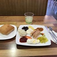 5/25/2017 tarihinde Stéphane C.ziyaretçi tarafından Got Kosher? Bakery & Deli'de çekilen fotoğraf