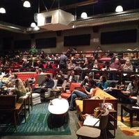 11/4/2013에 Mickey T.님이 New Parkway Theater에서 찍은 사진