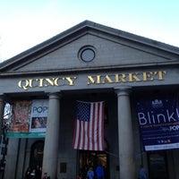 Foto tomada en Quincy Market por Aaron W. el 11/10/2012