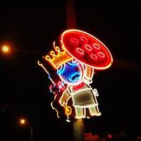 Das Foto wurde bei More Home Slice von Tom S. am 12/8/2012 aufgenommen