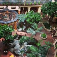6/26/2013 tarihinde Shatha M.ziyaretçi tarafından Embassy Suites by Hilton Santa Ana Orange County Airport'de çekilen fotoğraf