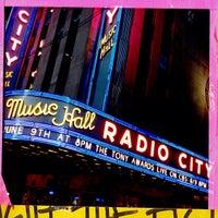 Das Foto wurde bei Radio City Music Hall von Daniel C. am 6/9/2013 aufgenommen