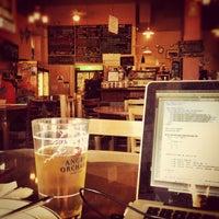 Снимок сделан в Cafe La Boheme пользователем Harry C. 9/25/2012