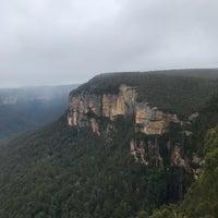 รูปภาพถ่ายที่ Govetts Leap Lookout โดย Mr Head เมื่อ 11/16/2018