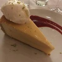 Foto scattata a Fleming's Prime Steakhouse & Wine Bar da Robert C. il 10/28/2018