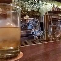 Das Foto wurde bei EL BARÓN - Café & Liquor Bar von Andres G. am 9/25/2019 aufgenommen