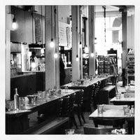 Photo prise au Le Cartet Resto Boutique par Jan-Nicolas V. le3/6/2013