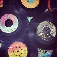 1/20/2016에 Yağmur A.님이 Jammin's Vinyl Records & Café에서 찍은 사진