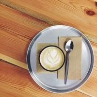 Photo prise au Super Tramp Coffee par Kristy H. le1/10/2016