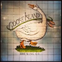 7/20/2013에 Greg H.님이 Goose Island Brewpub에서 찍은 사진