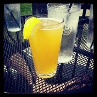Foto tomada en Wellman's Pub & Rooftop por Your Mom el 4/28/2013