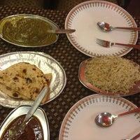 รูปภาพถ่ายที่ Khanna Market โดย Douglas v. เมื่อ 2/6/2013