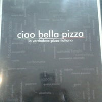 Foto tomada en Ciao Bella Pizza por alain t. el 12/9/2012
