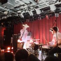 รูปภาพถ่ายที่ Paradise Rock Club โดย Alex P. เมื่อ 12/10/2012