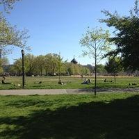 Foto tomada en McCarren Park por Emma S. el 5/2/2013