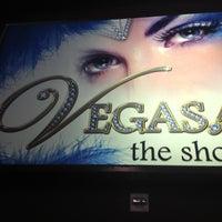 Foto tomada en VEGAS! The Show por Lydia M. el 10/16/2012