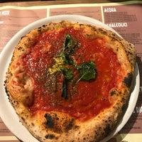 Photo prise au 'Ntretella - Pizzeria Friggitoria par Zannetta K. le8/12/2018