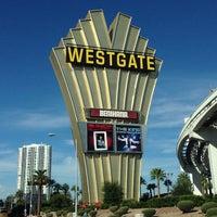 รูปภาพถ่ายที่ Westgate Las Vegas Resort & Casino โดย Eric W. เมื่อ 10/11/2014