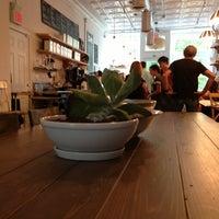 6/15/2013にMike B.がbwè kafeで撮った写真