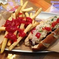 รูปภาพถ่ายที่ Cowbell Burger & Bar โดย Joe T. เมื่อ 3/27/2013