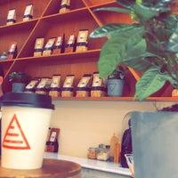 Das Foto wurde bei Element Specialty Coffee von iNoura am 4/23/2018 aufgenommen