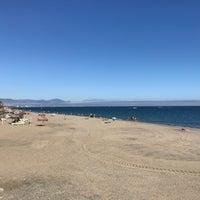 Foto tomada en Banana Beach por Karen W. el 10/21/2017