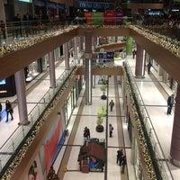 1/1/2013 tarihinde Pepi T.ziyaretçi tarafından The Mall Athens'de çekilen fotoğraf