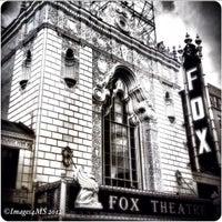 10/8/2012에 Erin T.님이 The Fabulous Fox에서 찍은 사진