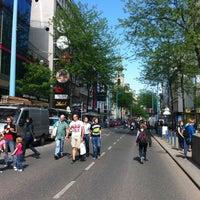 รูปภาพถ่ายที่ Mariahilfer Straße โดย Alexander เมื่อ 5/4/2013