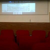 10/28/2012 tarihinde Claudia S.ziyaretçi tarafından Auditorium BINUS University'de çekilen fotoğraf