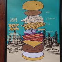 7/1/2018 tarihinde David R.ziyaretçi tarafından Varsity Burgers - Northbridge'de çekilen fotoğraf
