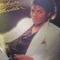 Foto scattata a Mojo Vinyl da Adam J. il 3/10/2013