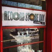 4/20/2013にAdam J.がMojo Vinylで撮った写真