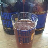 4/6/2013에 Porter H.님이 Half Full Brewery에서 찍은 사진