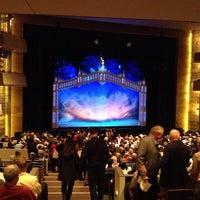 Photo prise au Temple Hoyne Buell Theater par rich s. le10/24/2013