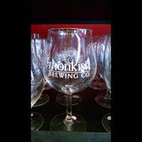Foto tirada no(a) Bine & Vine Bottle Shop por Vince O. em 9/12/2015