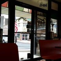 Foto tirada no(a) Buontempo Bros Pizza por Lord Thomas F. em 12/20/2013
