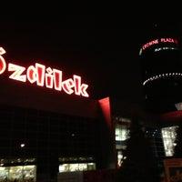 Снимок сделан в Özdilek пользователем Emre A. 2/13/2013