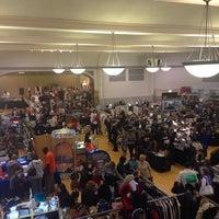 Foto scattata a Randolph Street Market da Romi A. il 11/22/2014