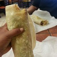 Снимок сделан в Cotija's Taco Shop пользователем Oly L. 9/14/2013