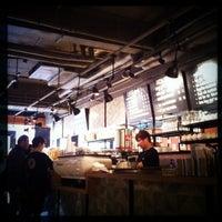 Photo prise au Sunflour Bakery & Café par Arthur C. le12/29/2012
