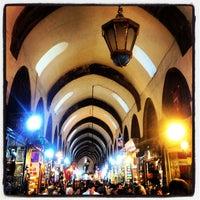 Das Foto wurde bei Mısır Çarşısı von Volkiman🎲 am 5/10/2013 aufgenommen