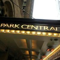 รูปภาพถ่ายที่ Park Central Hotel New York โดย Camille F. เมื่อ 11/24/2012