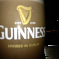 Foto diambil di Dublin Ale House Pub oleh David T. pada 9/14/2013