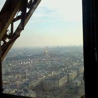 Foto tirada no(a) Le Jules Verne por Ouchan S. em 1/14/2013