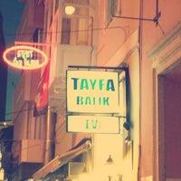 รูปภาพถ่ายที่ Tayfa Balık Evi โดย Onur A. เมื่อ 8/30/2013